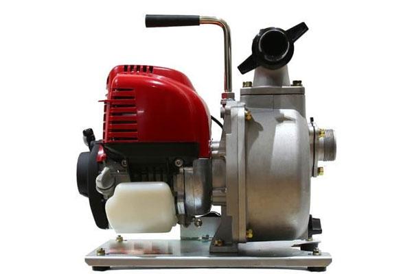máy bơm nước chạy bằng xăng có tốt không