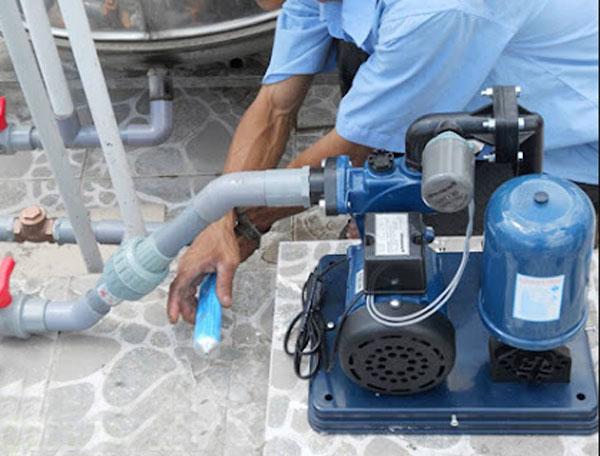 Nguyên nhân và cách khắc phục máy bơm lên nước yếu như thế nào